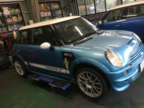 MINI専門店エムズコレクション、BMWミニエンジン脱着修理、車高調整キット取付4輪アライメントラジエター交換!
