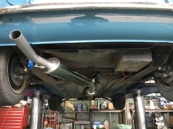 茨城ミニ専門店マフラー交換、クーラー修理、ウッドメータパネル修理、クイックシフトレバー修理、車高調整キット取付