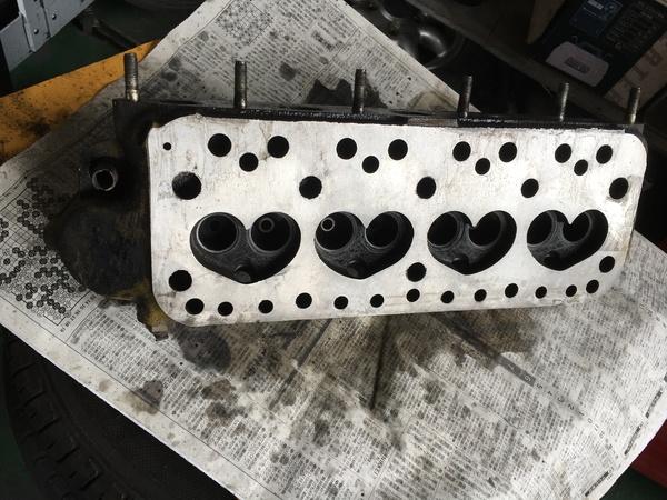 茨城MINI専門店エムズコレクションMINI1000キャブヘッド面研キャブ調整修理、R60BMWMINIフェンダー艶消し塗装、BDR修理
