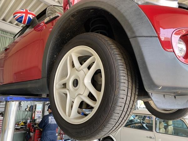 茨城ミニ専門店エムズコレクション ミニクーパーSエンジンオイル交換&ミニ点検ブレーキだストレスブレーキパット点検