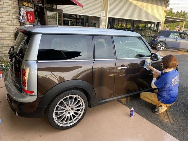 茨城ミニクーパー専門店R55クラブマン商品車、MK-1ラリスタイルミニボディ修理、ポールスミス錆処理進捗