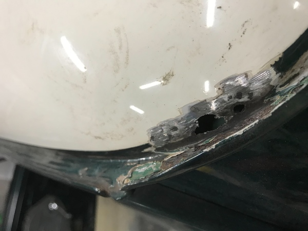 MINI専門店エムズコレクションミニクーパーボディ錆、下処理塗装、ミニクーパーガラス交換